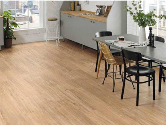 Sàn nhựa vân gỗ lát phòng khách